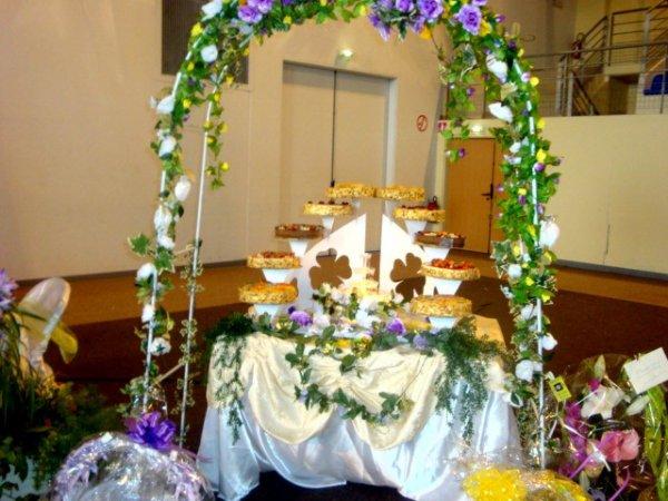 prsentoir gateaux mariage 10 tages avec fontaine illumine - Presentoire De Gateau De Mariage