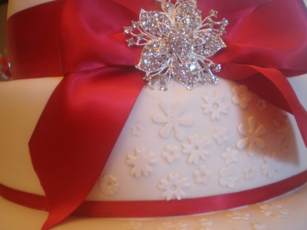 Bijou pour wedding cake