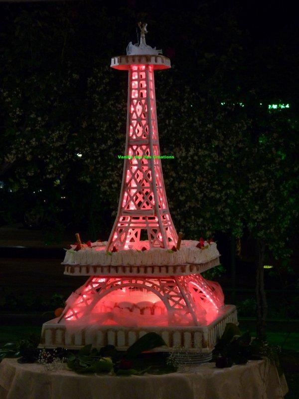 Présentoir gateau Tour Eiffel rose