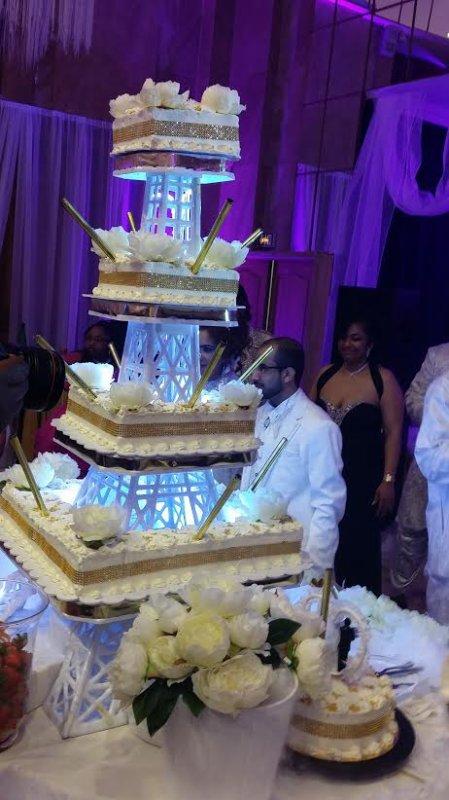 gateau tour eiffel mariage arabie saoudite - vanille des îles