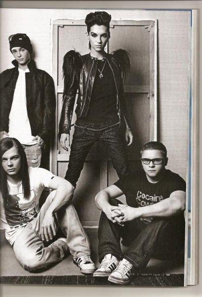 le groupe en noir et blanc