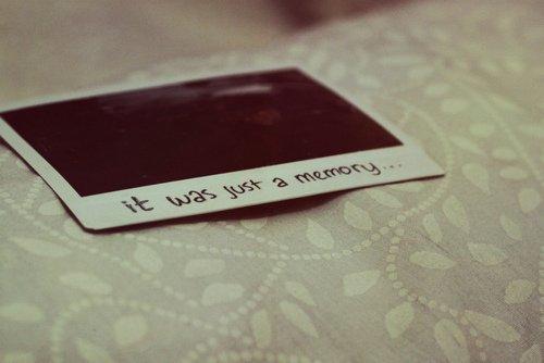 A toi, à moi, à ce que nous ne sommes plus.
