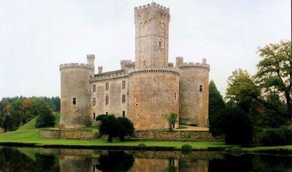Chateau Fort Du Moyen Age 4