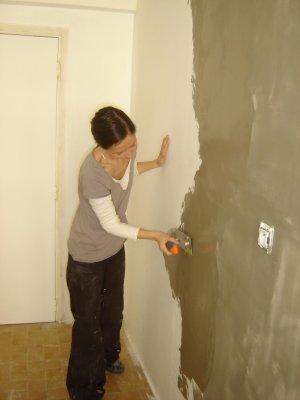On a finalement choisi du tadelakt pour les murs de la cuisine l 39 appart - Peinture a la taloche ...