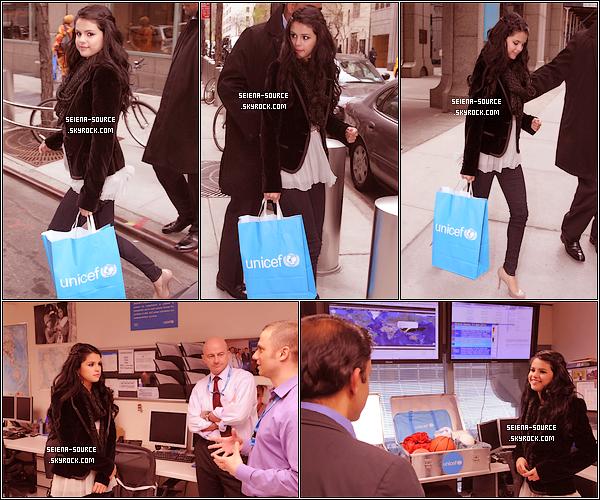..  Découvrez (enfin) l'affiche promotionnelle du parfum de Selena Gomez. Qu'en pensez-vous ?  ..