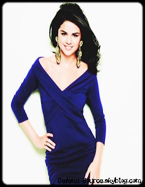 """..  Notre chère Selena fait la couverture du magazine """"Latina"""" du mois d'octobre 2010..                Puis découvrez également le tout premier épisode de la nouvelle mini-série de Selly : « Girl Meets World »  .."""