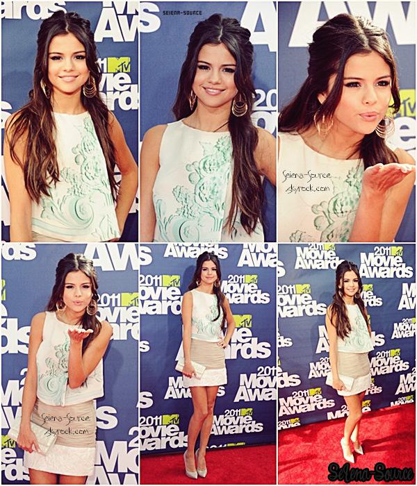 ..   5 juin : Selly s'est rendue aux « MTV Movie Awards » .. Un bof je dirais, qu'en pensez-vous ? ..     + Découvrez sans plus attendre le new clip de Sel « Love You Like A Love Song » .. Vos avis ?  ..