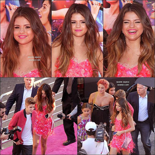..  26/06 : Selena était présente à l'avant première du film « Katy Perry: Part of Me » en 3D.  ..
