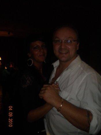 moi & mon homme occupé a dansser au baptème de kendra et l'aniverssaire de saona