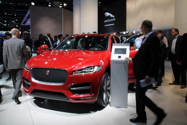 Francfort 2015 live : Jaguar F-Pace
