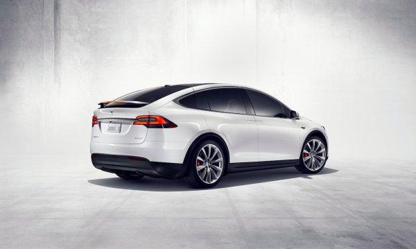 Tesla Model X, habitable, sûr et performant