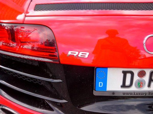AUDI R8 V10 QUATTRO 2010