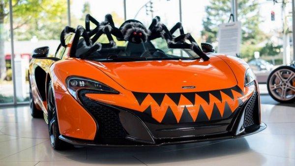 Une McLaren 650S Spider grimée pour Halloween