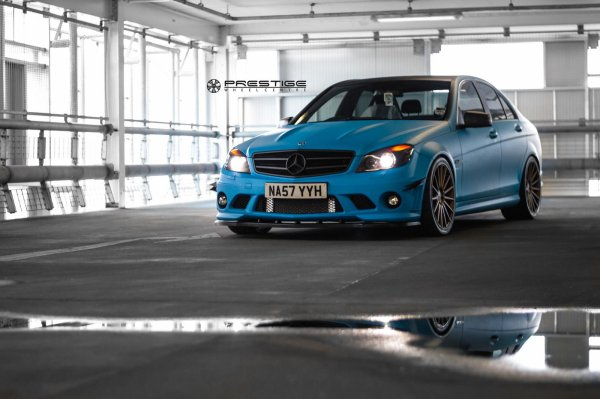 Mercedes C63 AMG W204 By Vossen