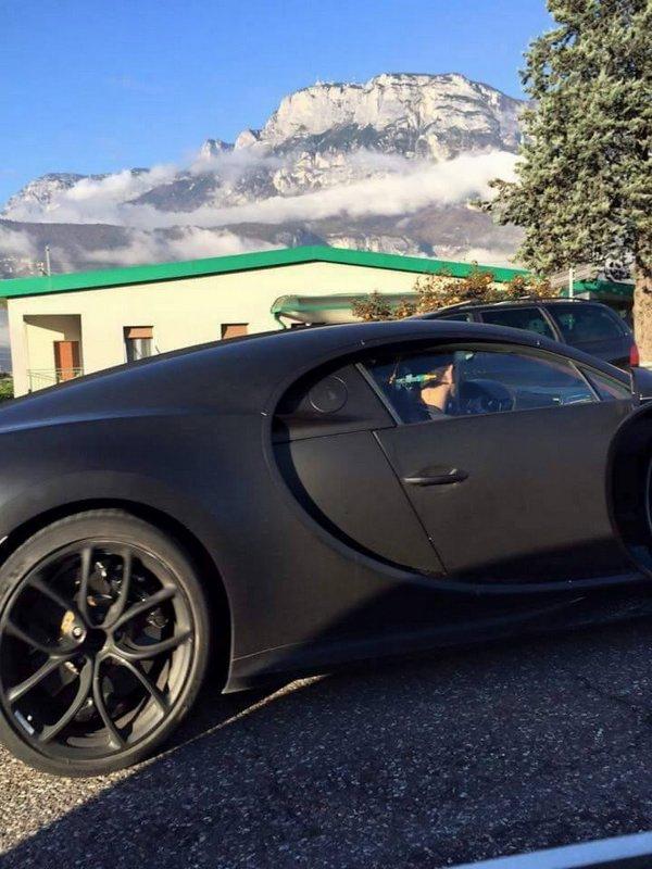 Bugatti : la Chiron photographiée de près en Italie