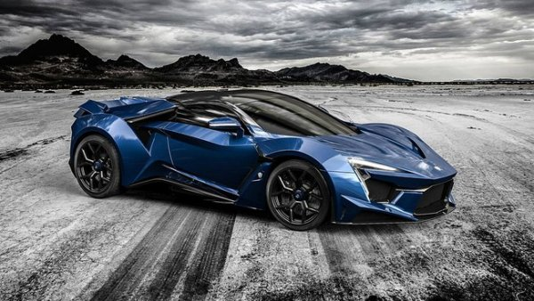 Salon de Dubaï : W Motors Fenyr Supersport
