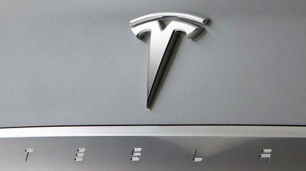 Genève 2016 : la Tesla Model 3 annoncée mais…
