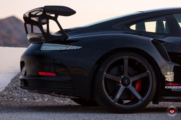 Porsche 911 GT3 RS by Vossen