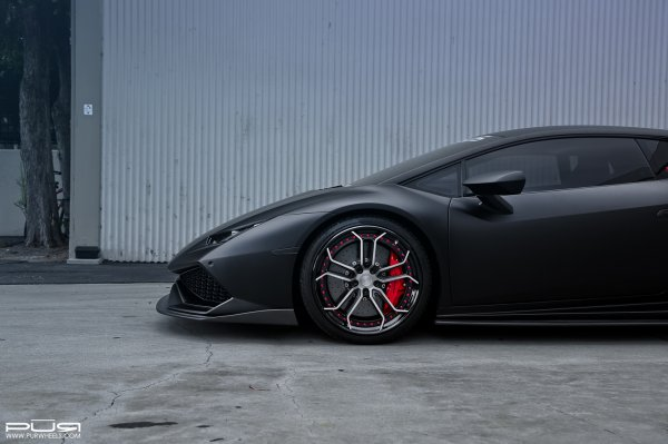 Lamborghini Huracan Sits On Custom PUR Wheels