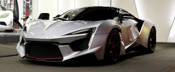 W motors Fenyr Supersport