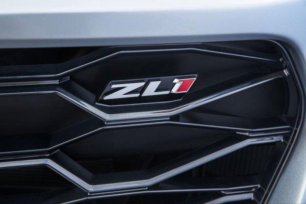 New York 2016 : Chevrolet Camaro ZL1