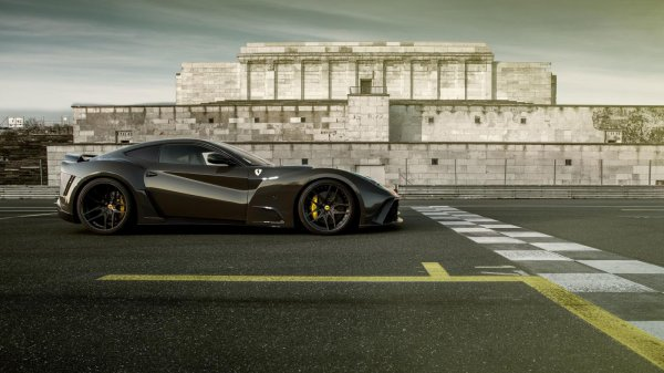 Ferrari F12 N-Largo-S par Novitec Rosso