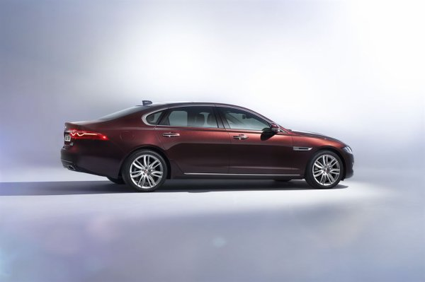 Pékin 2016 : Jaguar XF L