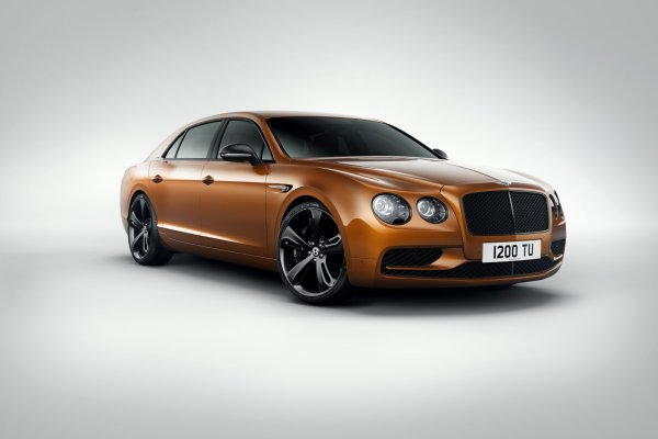 La Bentley Flying Spur W12 S est avancée