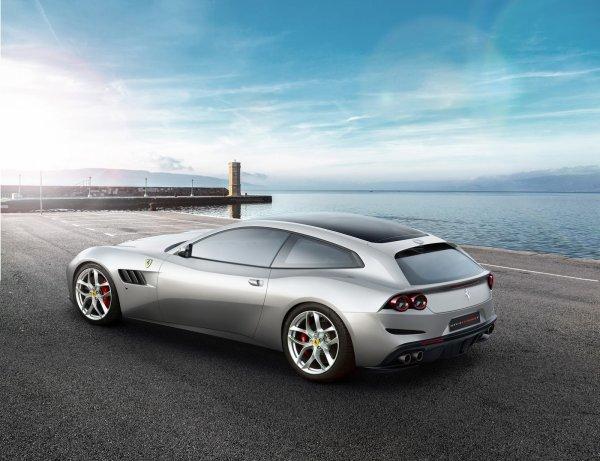 La Ferrari GTC4 Lusso T au Mondial