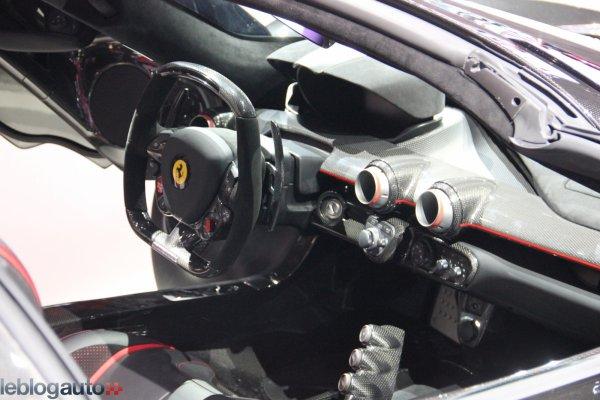 Paris 2016 : Ferrari LaFerrari Aperta