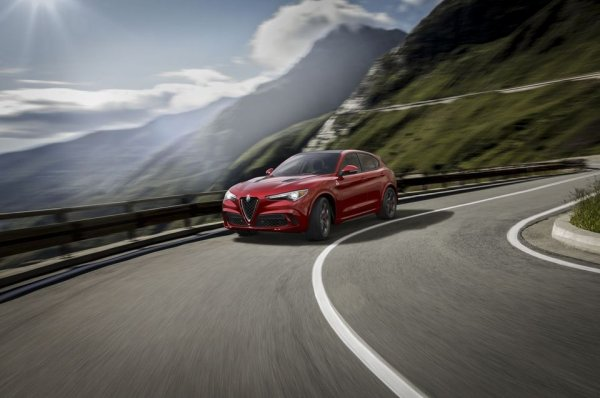 Salon de Los Angeles - Alfa Romeo Stelvio: il n'est jamais trop tard