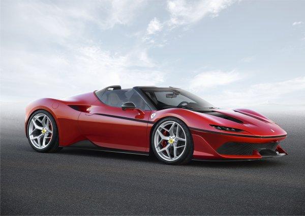 Ferrari J50 : un modèle unique pour les 50 ans au Japon