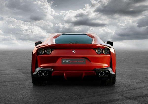 Salon de Genève 2017 - Ferrari 812 Superfast : toujours plus