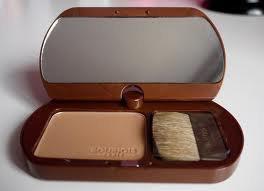 **Leidament Tutos makeup **  ; Comment appliquer la poudre de soleil **
