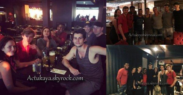 """02.03.2017 - Kaya et d'autres membres du film #LeLabyrinthe au restaurant """"The 41"""" à Cape Town."""