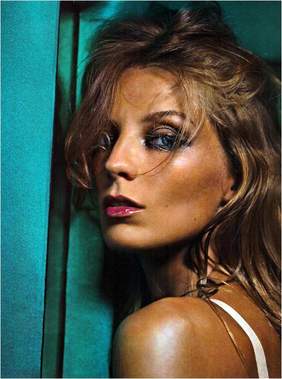 VOGUE (Italie) - « Daria Werbowy » - Novembre 2010