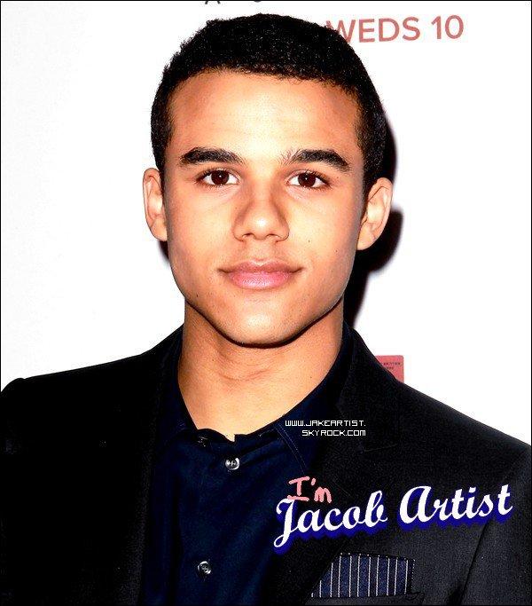 13/10/2012: Jacob Artist était à l'avant première de AMERICAN HORROR STORY.