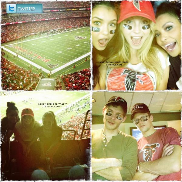 . PHOTOSHOOT | Michael a posé pour Tyler Shields avec sa petite amie Jenna Ushkowitz et Emma Roberts..