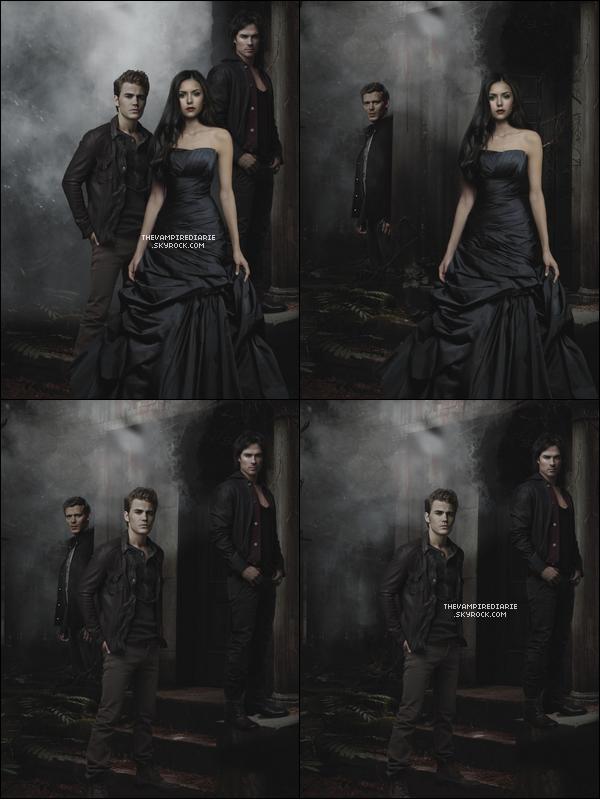 NEWS | De nouveaux posters promos de la saison 3 viennent d'apparaître avec Elena, Stefan, Damon & Klaus.