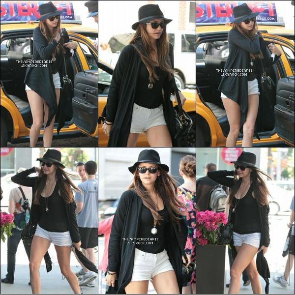 CANDIDS | Nina & Ian (pour changer) sont sortis dans les rues de NY.