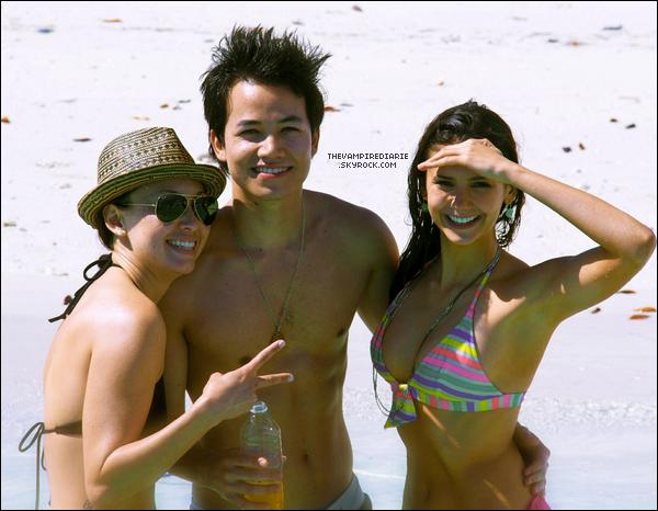 PHOTOS - Date inconnue | Nina, Michael & Zach en vacances avec d'autres amis aux Îles Turks et Caïcos.