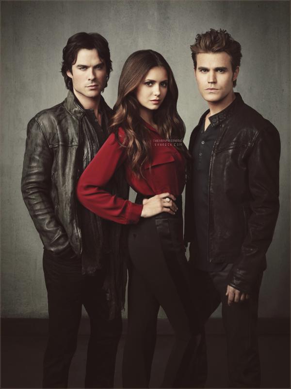 NEWS | A moins de deux semaines du lancement tant attendu de la saison 4, un nouveau cliché promotionnel vient d'être dévoilé. On retrouve notre trio préféré plus magnifique que jamais. Comment les trouvez-vous ?