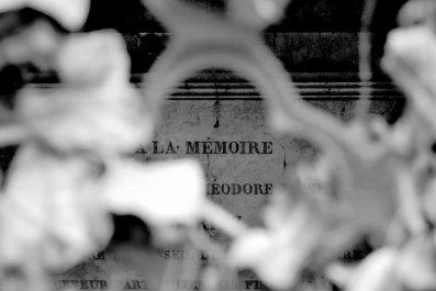 quelques photos de Paris cet été. panneau. père Lachaise.