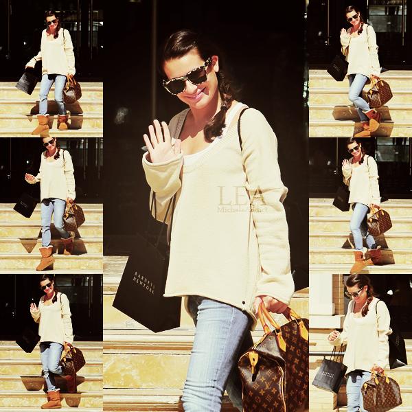 CANDIDS  DU 07/10/2011:Lea a été vu faisant  du shopping à Barney,à Los Angeles.