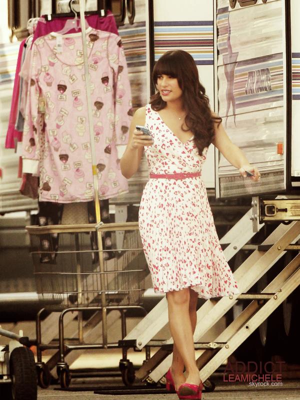 CANDIDS  DU 19/01/12:Lea a été vu sur le tournage de glee.