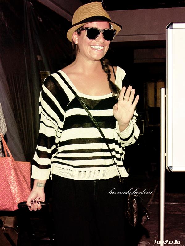 CANDIDS  DU 20/02/2012:Lea rentrant de ses petites vacances à Cabo.