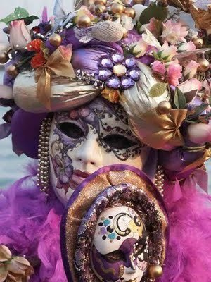 en ce jour ou je vais chercher mon garçon oufffff je vous offre ces quelques masques toujours trouver sur le net mille doux bisousssssss