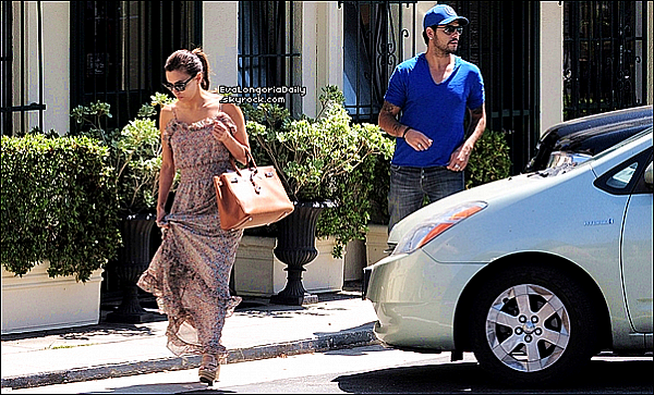 • o6 Août 2o11 •  - Marbella, Espagne. ⭐ Eva est allée à « L'Hôtel Padierna » pour le « Starlite Charity Gala ». Elle était accompagnée d'Antonio Banderas, Mélanie Griffith, Maria Bravo & Alina Peralta.  Tenue: Robe J.Mendel.