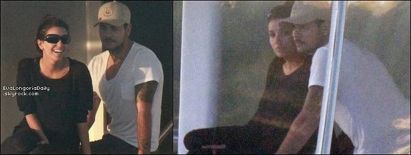 • 19 Novembre 2o11 •  - Miami, Etats-Unis. 🍴 Le soir, Eva & Eduardo sont allés dîner au « Casa Tua Restaurant ».  Tenue: Escarpins Brian Atwood.