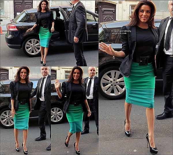 • 28 Mai 2o12 •  - Paris, France. ⭐ Enfin, Eva est allée au « Glamour Women of the Year Awards ».  Tenue: Robe Victoria Beckham, Pochette Salvatore Ferragamo & Escarpins Brian Atwood.